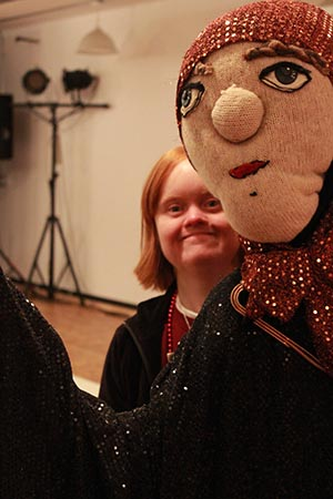 H'art artists with puppet
